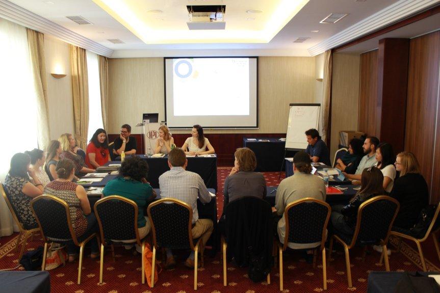 START THE CHANGE: Insieme invertiamo il processo di radicalizzazione con la formazione